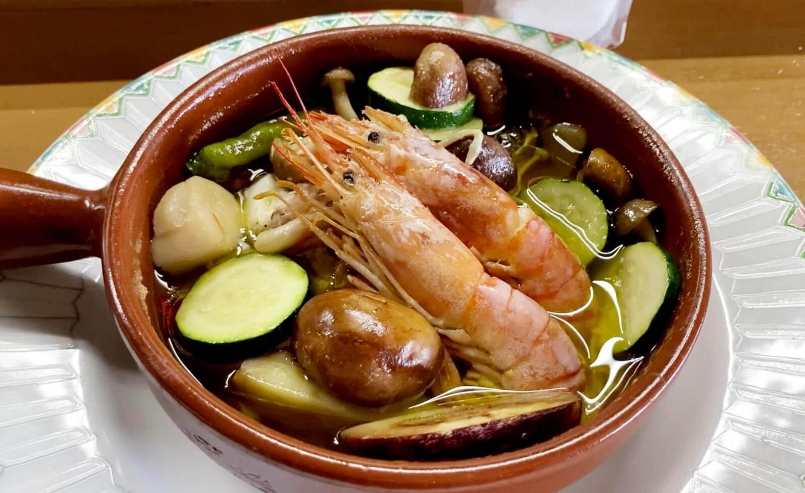 【シェフが教えるレシピ】おうちにある魚介や野菜を使って作る、美容と健康・疲労回復に食べたい「塩麹アヒージョ」